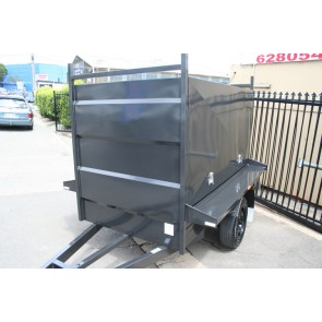 7x4 Tradesman Enclosed Trailer Split open Barn doors rear full width