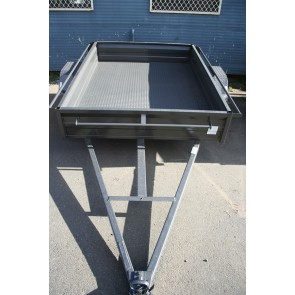 7x5 Box Trailer with 300mm Deep Side SHS Chassis 5 Leaf spring Checker Plate